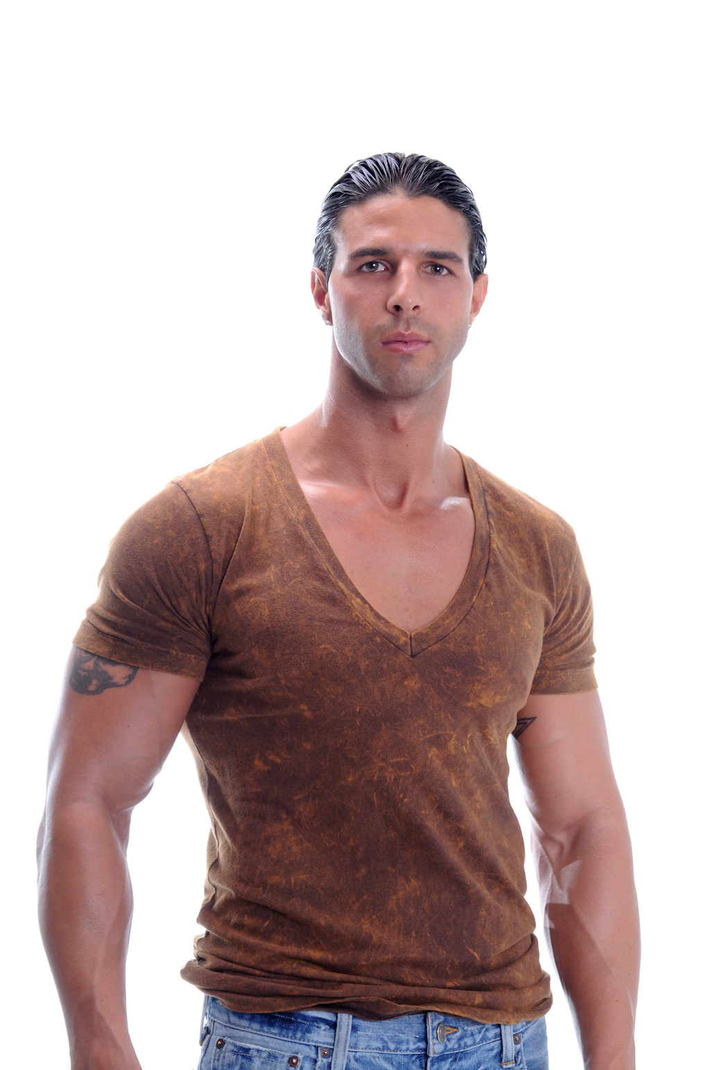 v-neck best tips for dressing well in your 40s