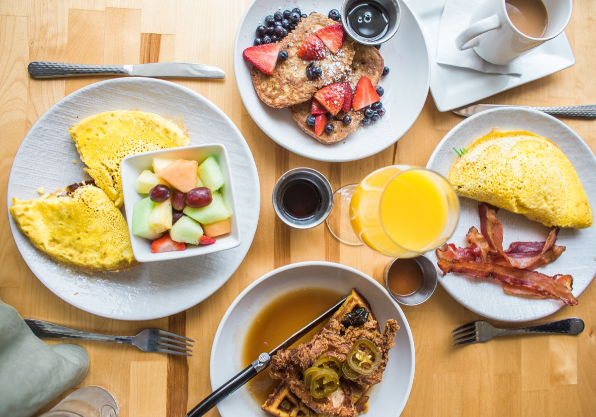 Big breakfast with eggs and fruit habits after 40