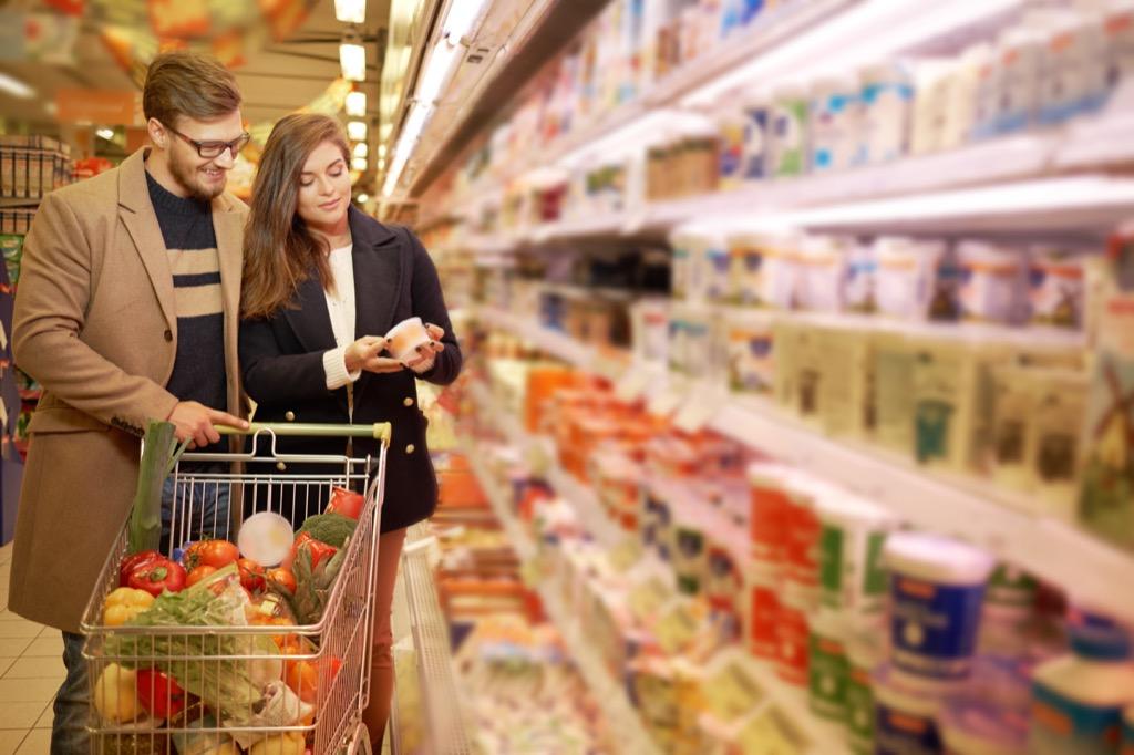 Couple looking at nutrition label Bogus 20th Century Facts