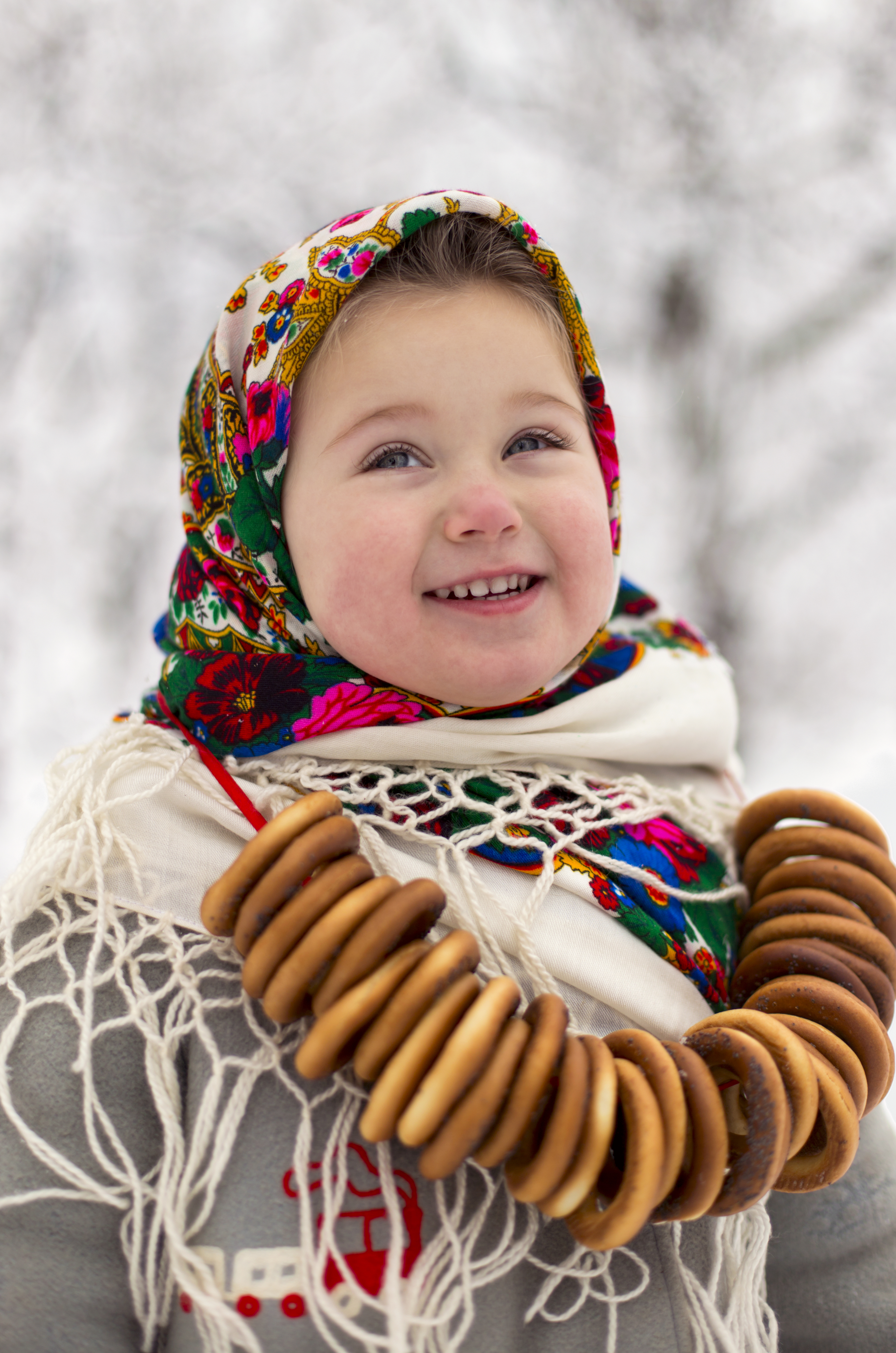 little russian girl with bagels