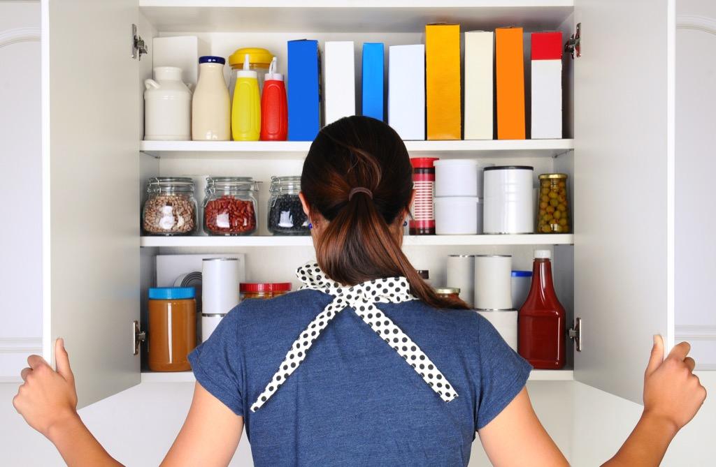 Kitchen Cabinets {Home Organization Tips}