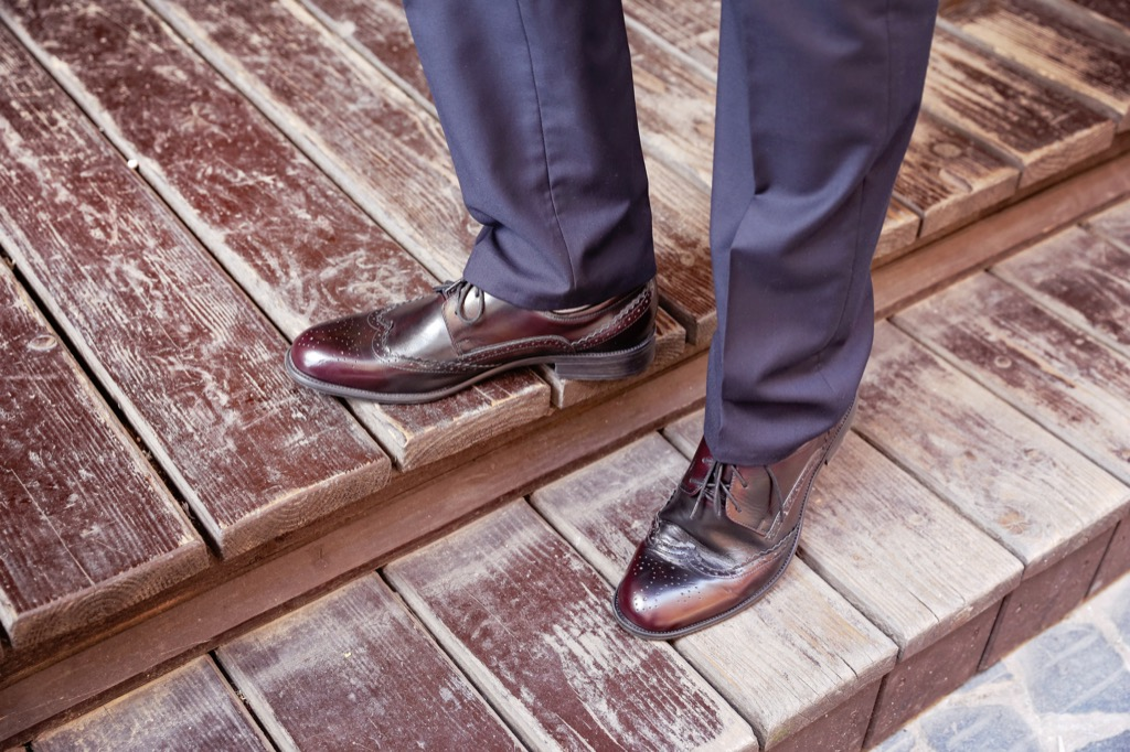 brown shoes and pants, mens - how to dress over 50