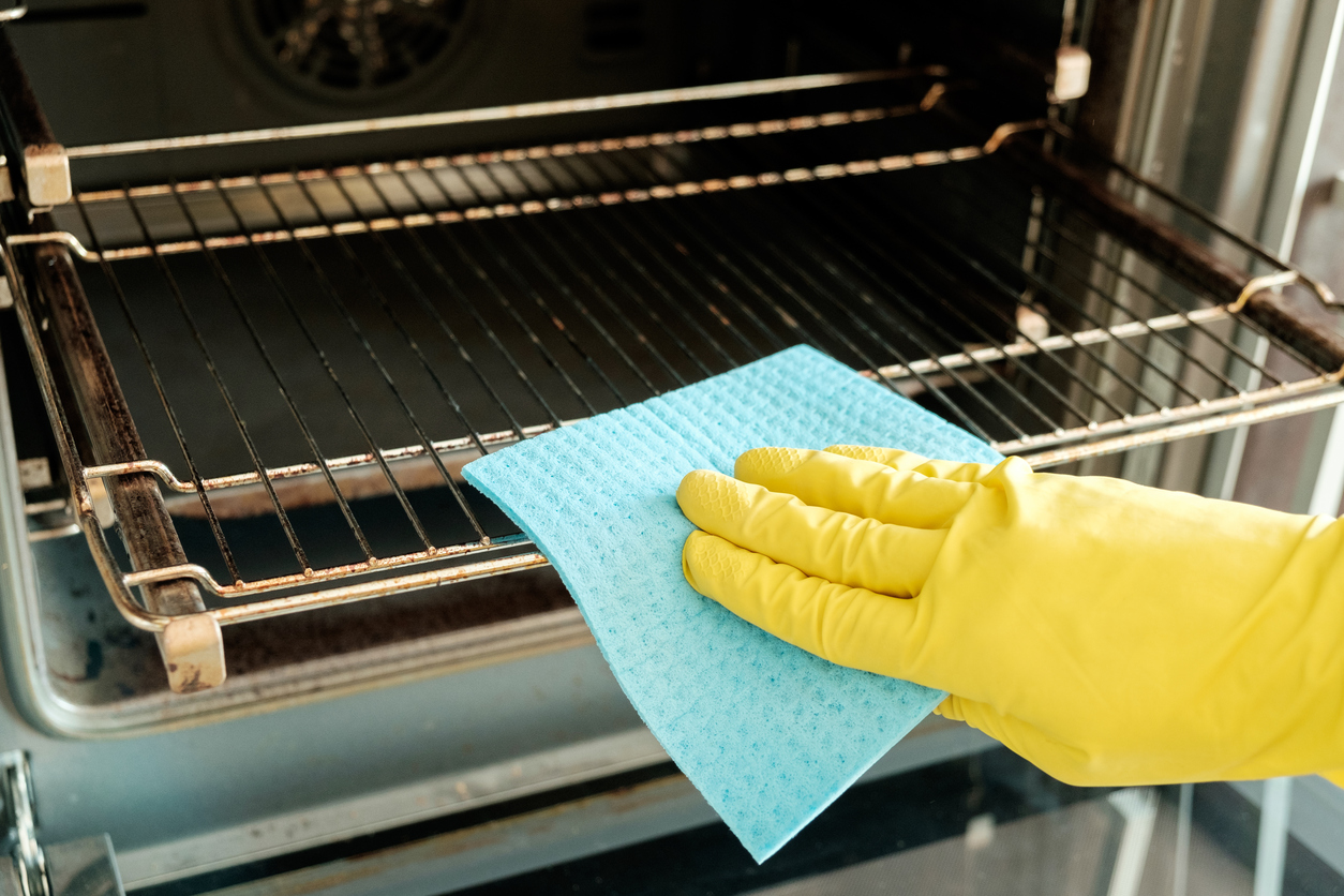 spring cleaning tips stove