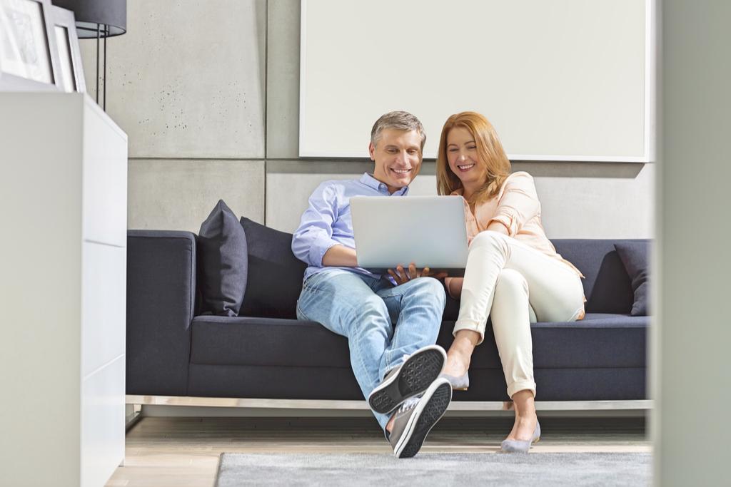 Couple on Laptop, Best Date Ideas