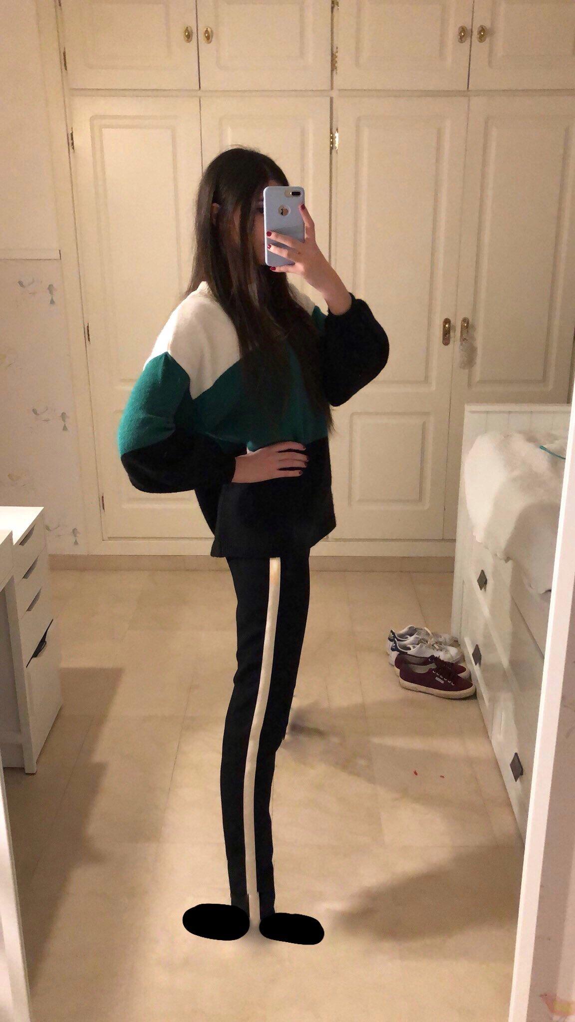 Marisol Villanueva mirror selfie photo