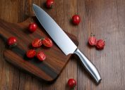 Sharp knife chopping tomatoes things you should clean every day