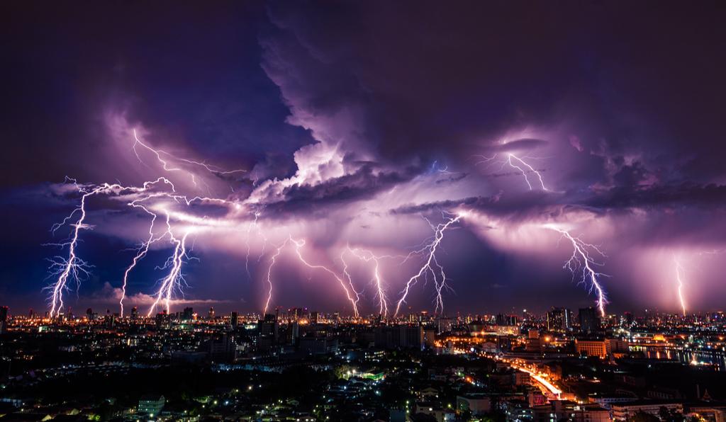 Lightning Storm Bogus 20th Century Facts