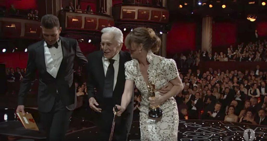 Melissa Leo Uses Cane Oscars Jokes