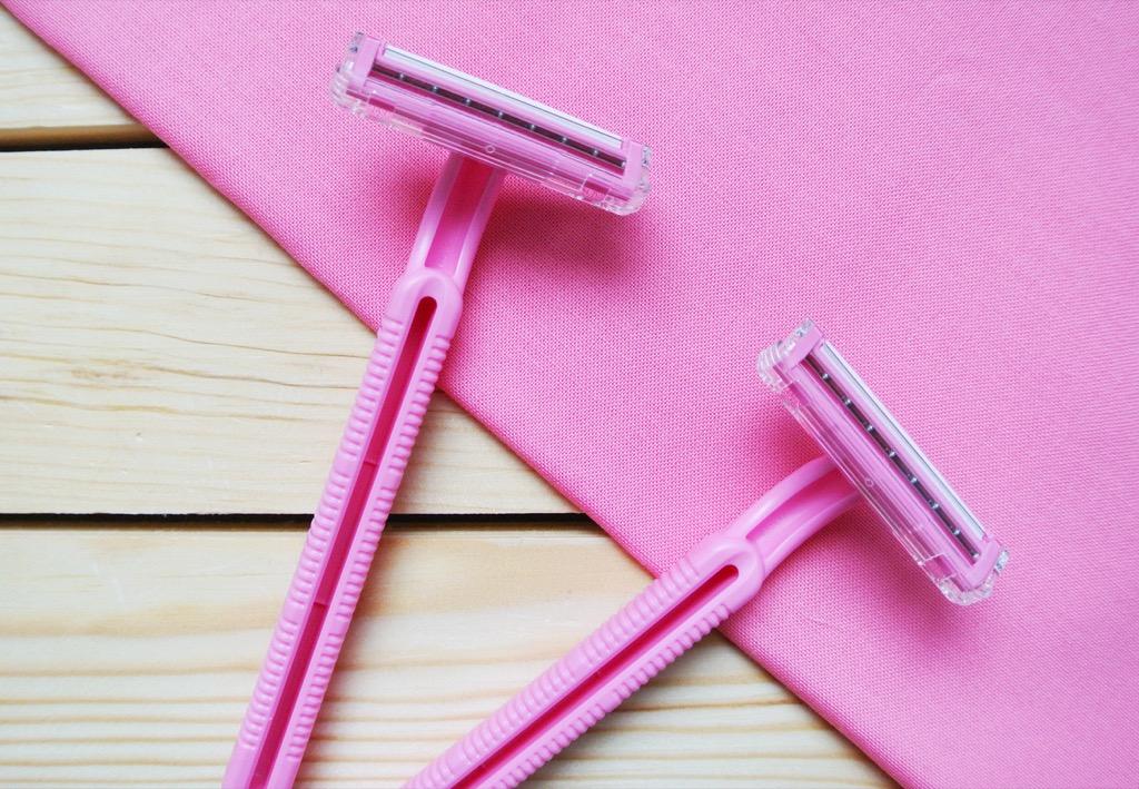Disposable razor things to throw away