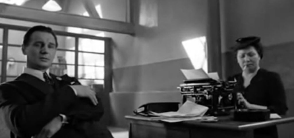Schindler's List Jokes in Non-Comedy Movies