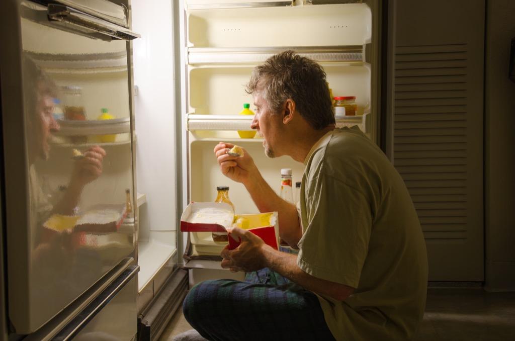 eating late health myths