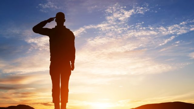 how to tell military time soldier silhouette