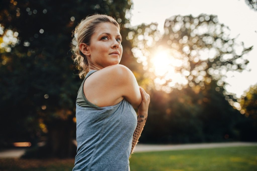 woman working out Being Single in your thirties habits