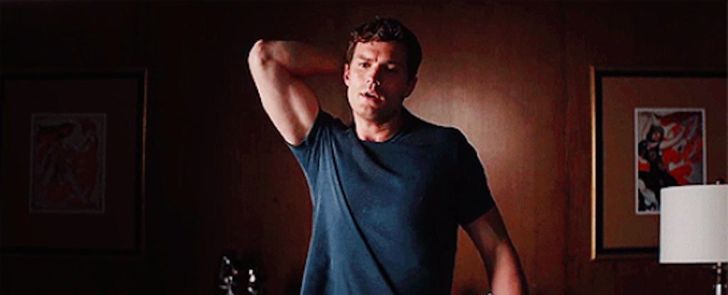 jamie dornan pulling shirt off in fifty shades of grey