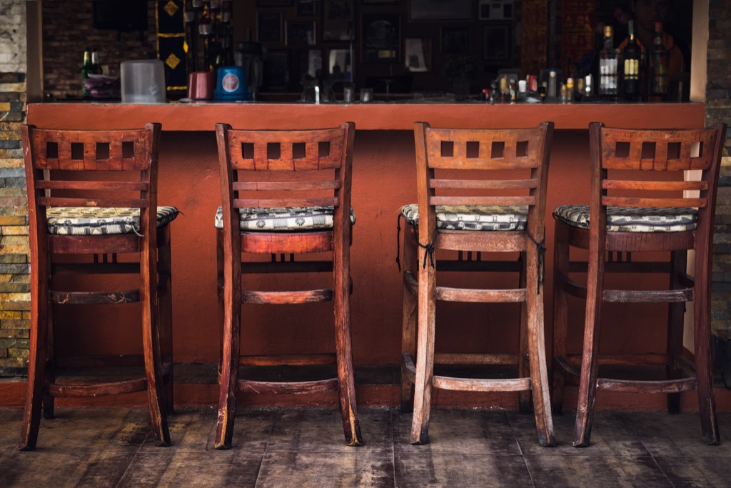 bar stool Organized