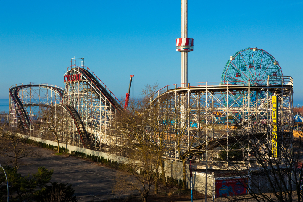 Cyclone Roller Coasters