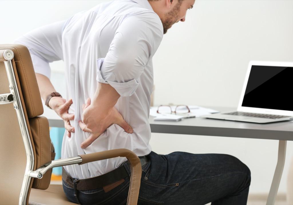 man kidney function back pain