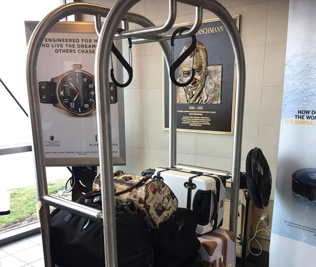 luggage cart at teterboro airport