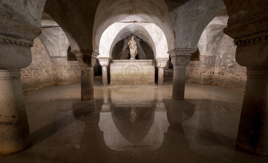 Italians Crypt