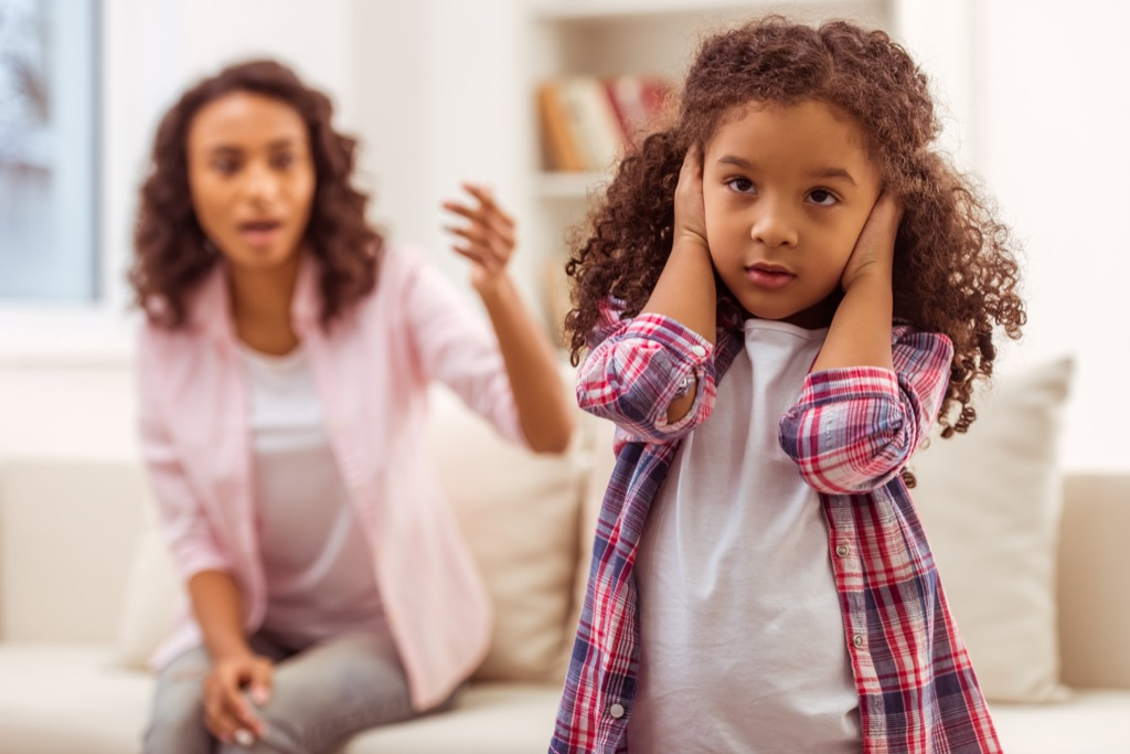mom yelling at little girl, stay at home mom