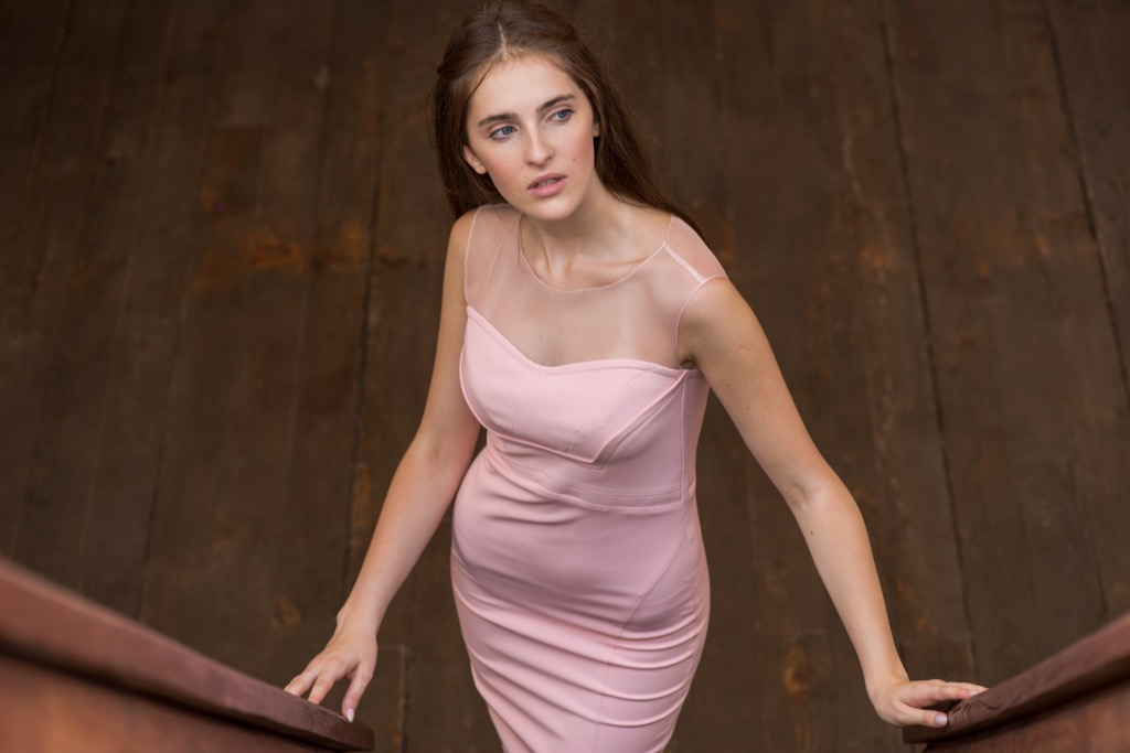 girl in tight dress Never Do at Weddings