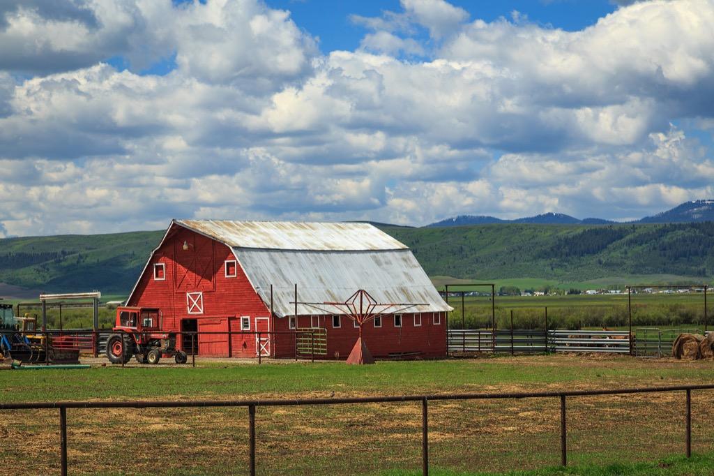 wyoming barn farm state jokes