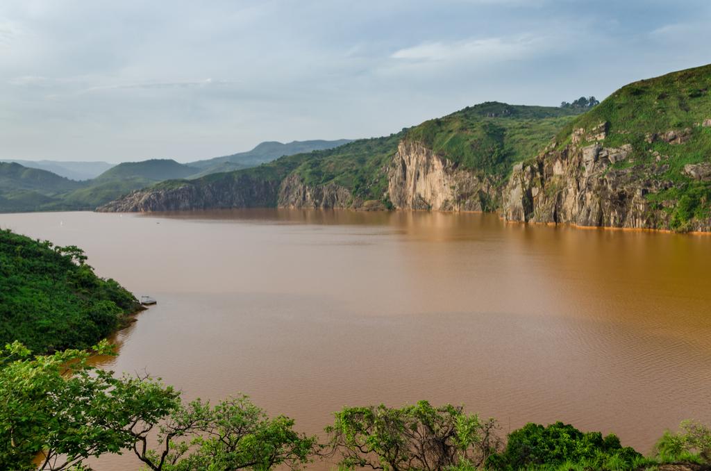 Lake Nyos Cameroon Planet Earth Facts