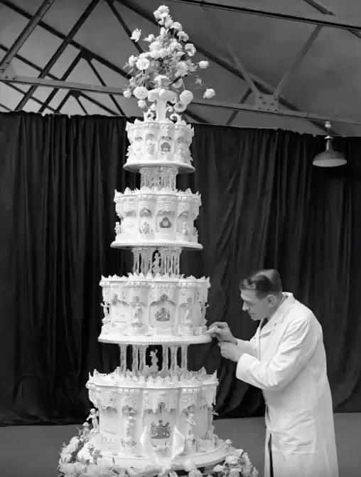 Queen Elizabeth II Wedding Cake Royal Marriages