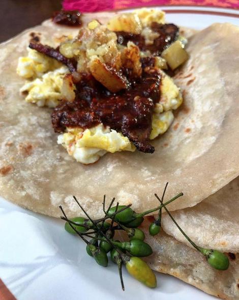 breakfast tacos local favorites