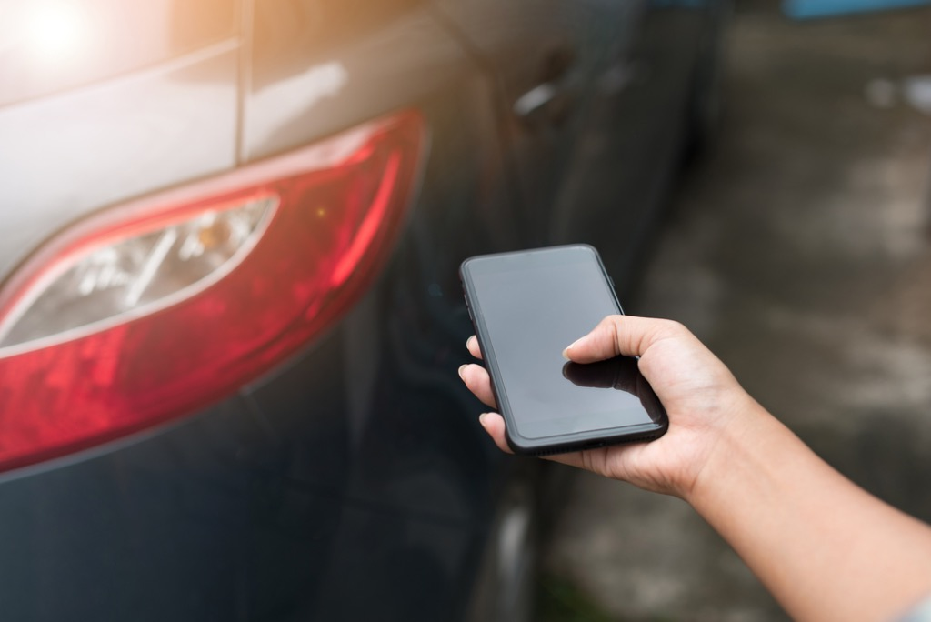 Starting car with smartphone