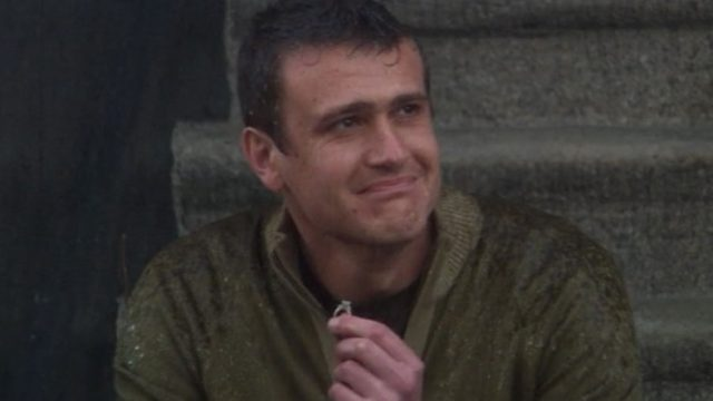 marshall sits on stoop with broken engagement ring in how i met your mother.