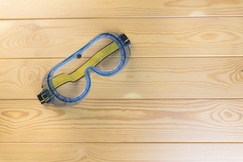 safety goggles Summer Health Mistakes