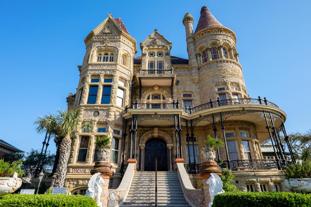 Bishop's Palace castles