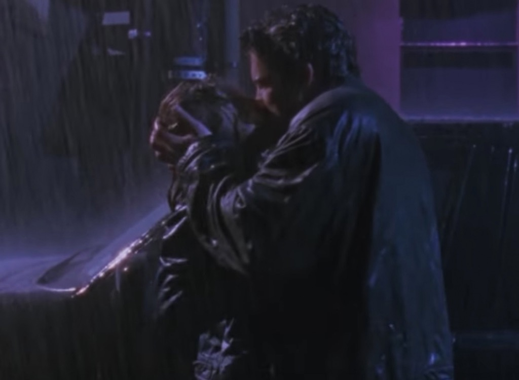 chasing amy making out in the rain
