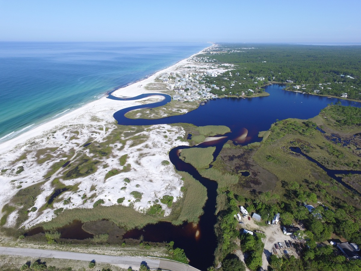 lakes stream into the ocean in florida