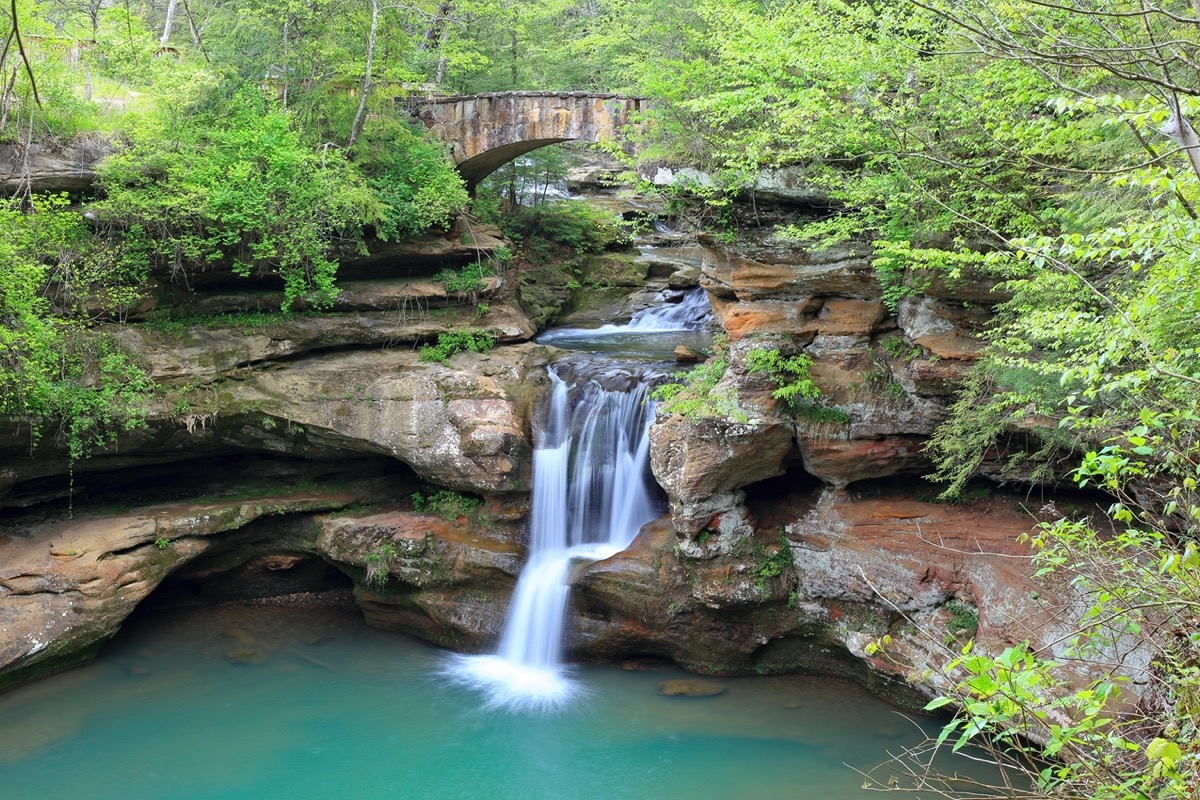 waterfall in hocking hills state park