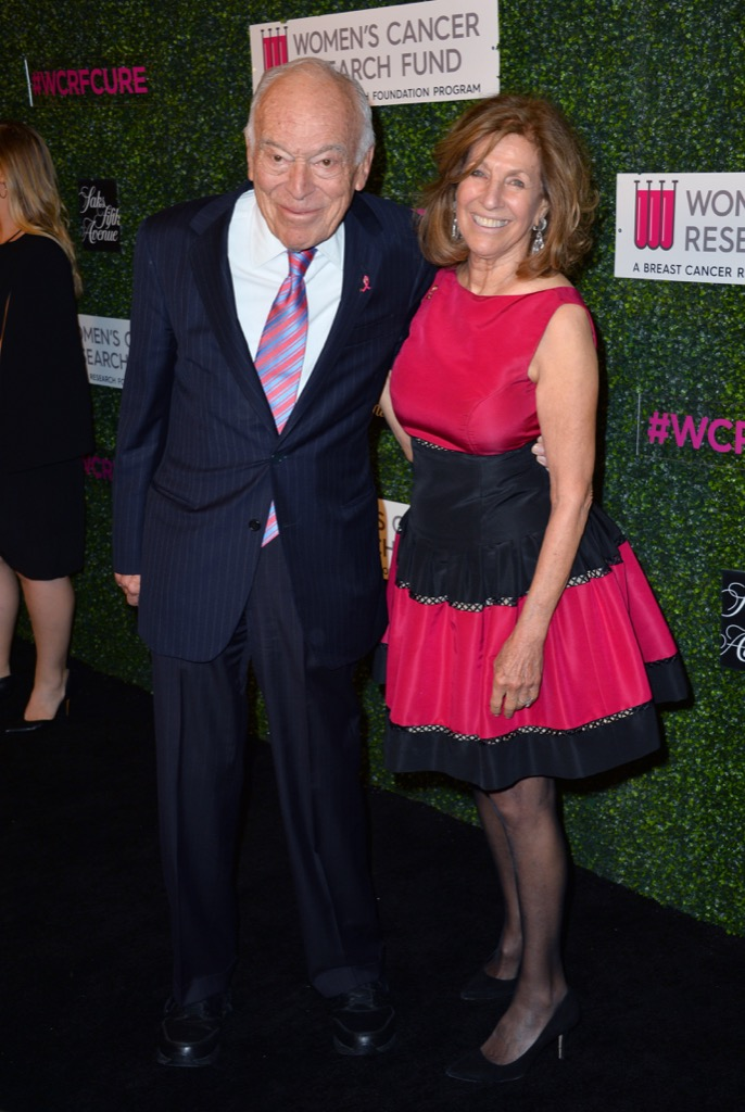 lauder richest families in the world