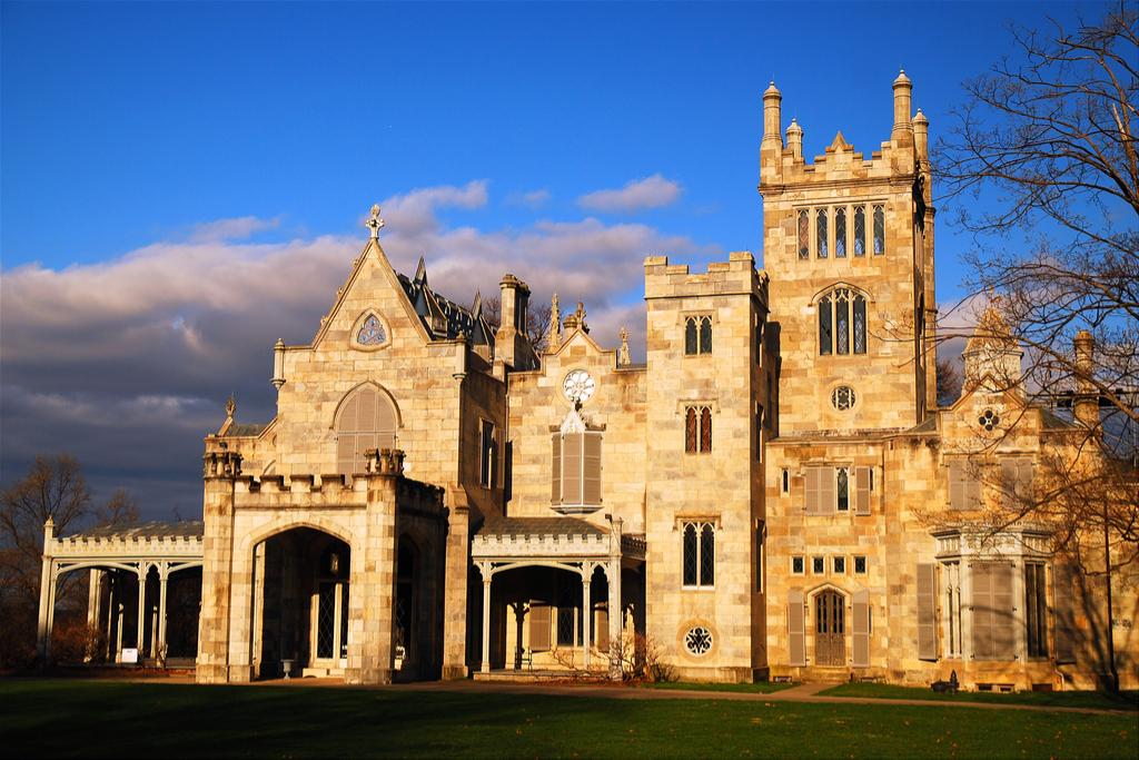 Lyndhurst Castle Castles
