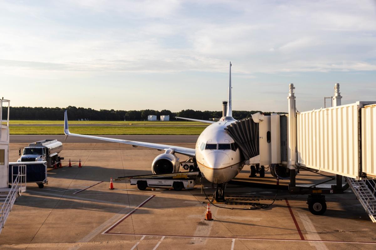 plane boarding passengers at norfolk international airport