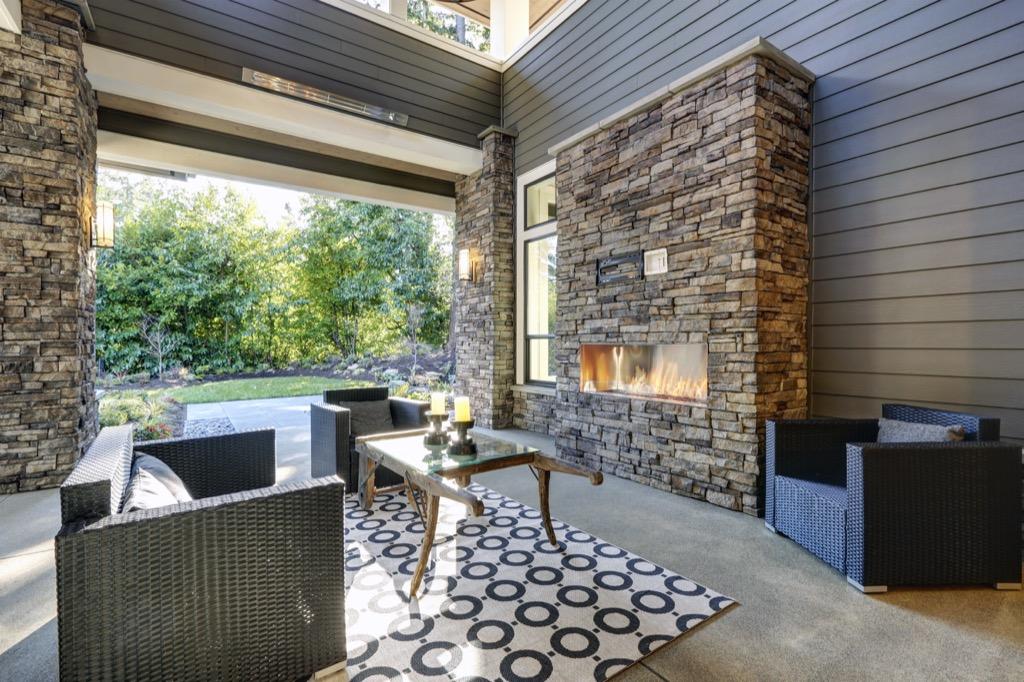 outdoor rug outside backyard patio