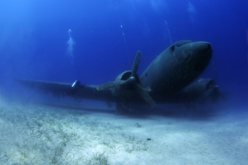 plane crash terrifying ocean facts