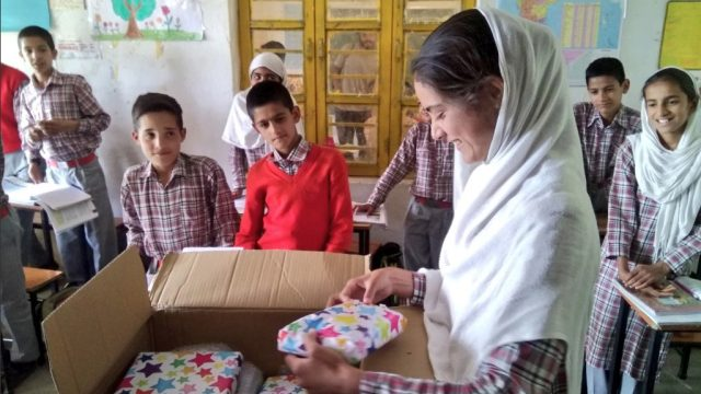 jk rowling sends gifts to schoolchildren in India.