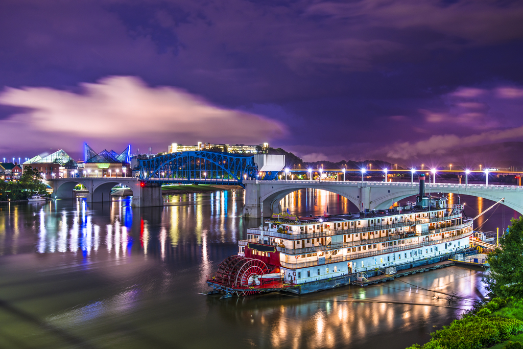 The Delta Queen Tennessee Floating Hotels