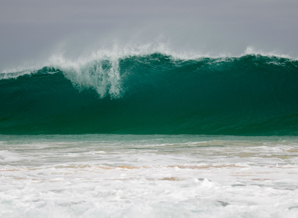 Approaching tsunami Ocean