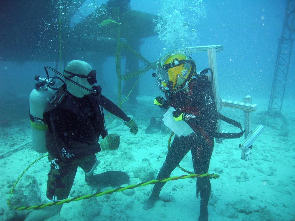 astronaut diver, underwater