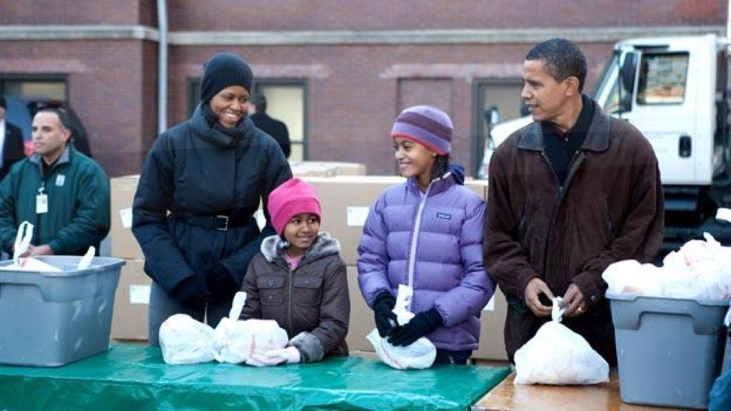 Obama volunteering 2009