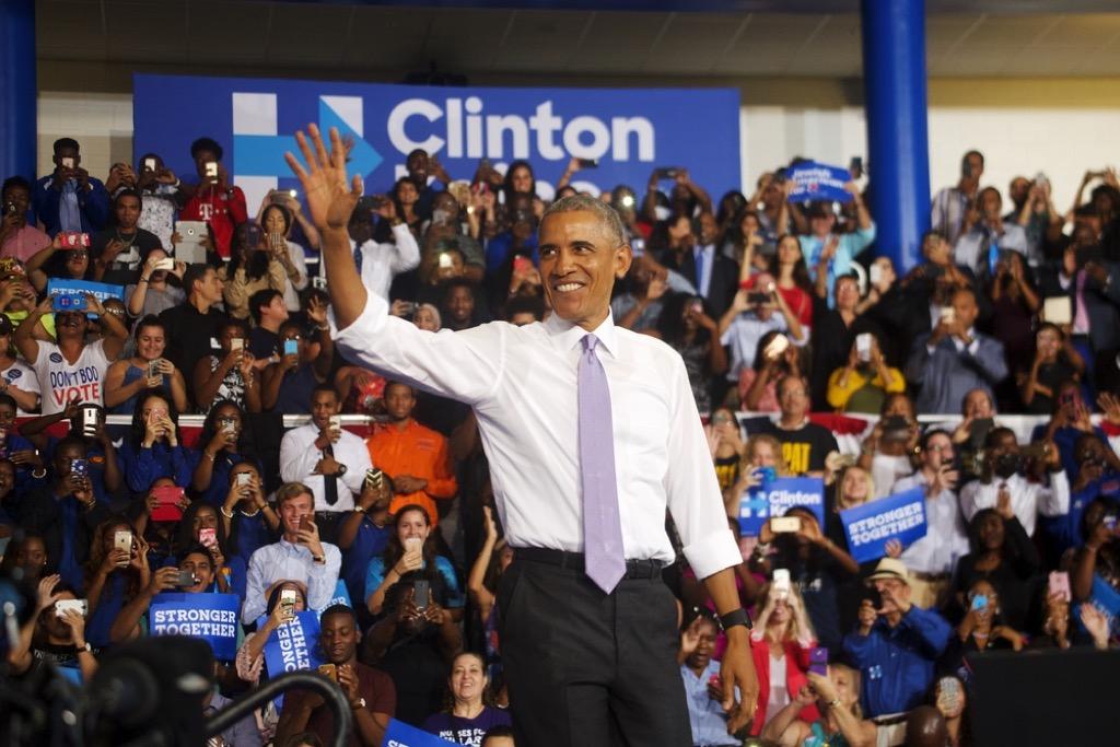 Obama suit no tie