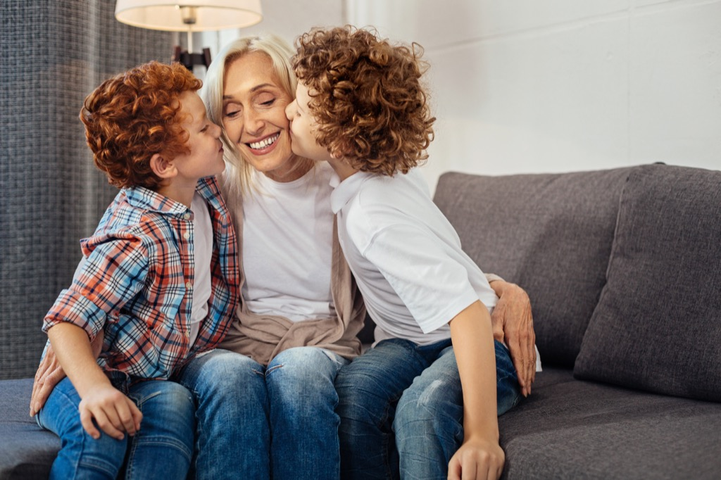 Words with different meanings, Grandma getting kisses from grandkids