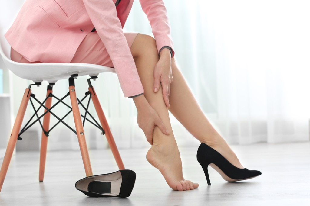 Woman with leg or calf pain