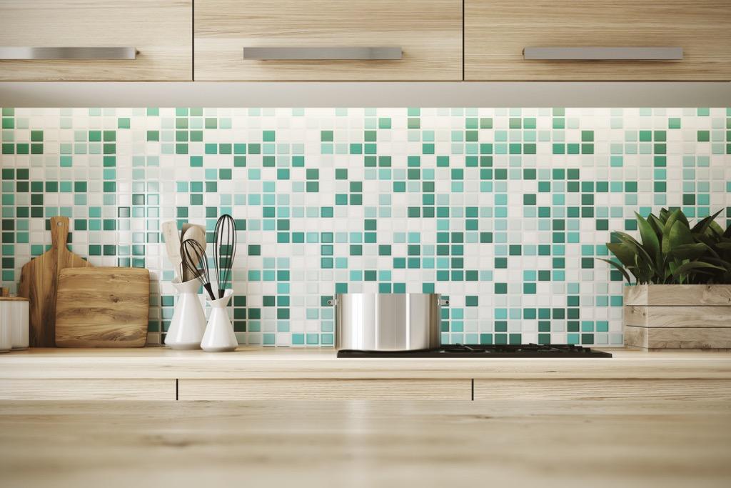 glass backsplash outdated home design